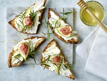 Cream cheese crostini