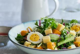 Salad with Cheese & Mango