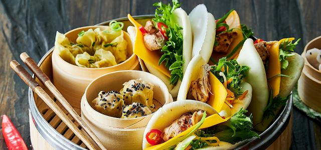 Bao Buns with Chicken and Cheddar